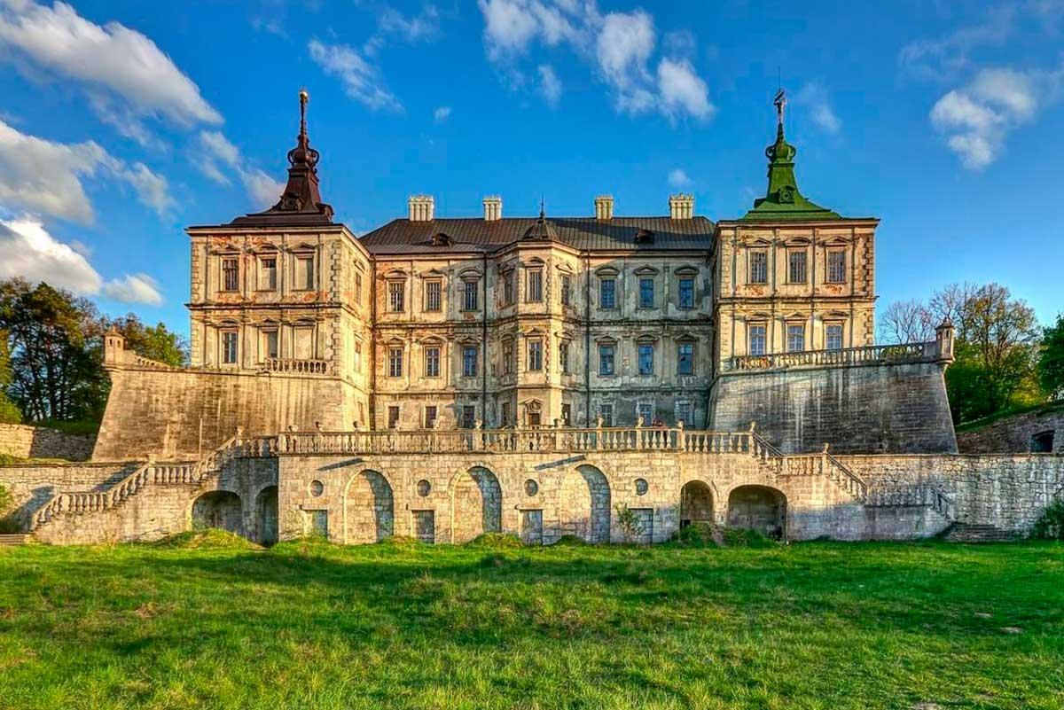 замки львівщини екскурсія